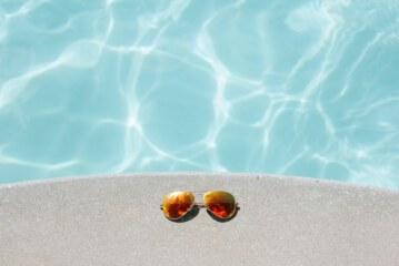Wie wil er ook zelf een zwembad aanleggen?